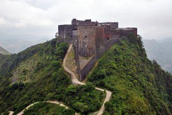 800px-Citadelle_Laferrière_Aerial_View