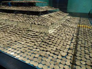 Monedas,_Nuestra_Señora_de_las_Mercedes,_Sevilla,_España,_2015_03
